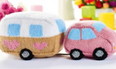 Free Knitted Car and Caravan Toy Set Pattern